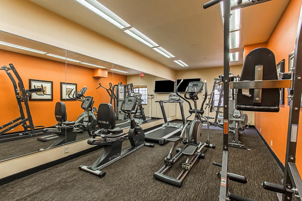 Fitness center and amenities at hotel ruidoso